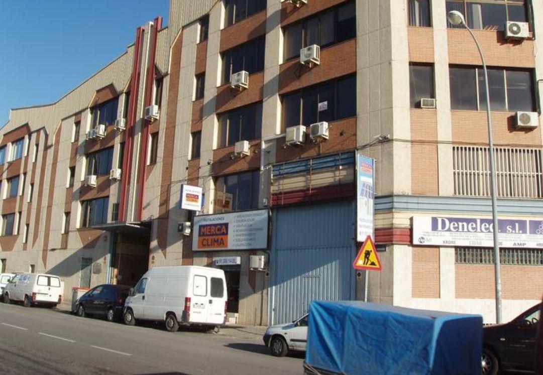 Nave industrial en Calle Pozo del Tio Raimundo, 11,