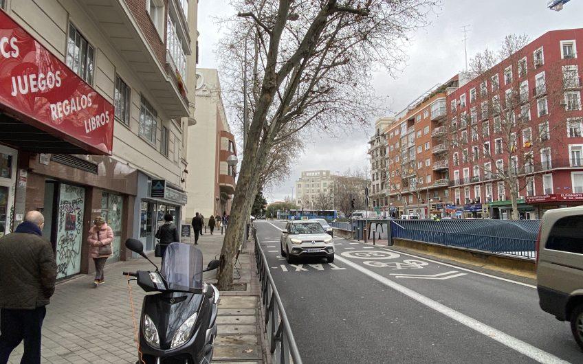 Local muy bien ubicado en el Barrio de Salamanca.
